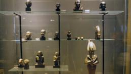 法国向埃及归还250件走私文物